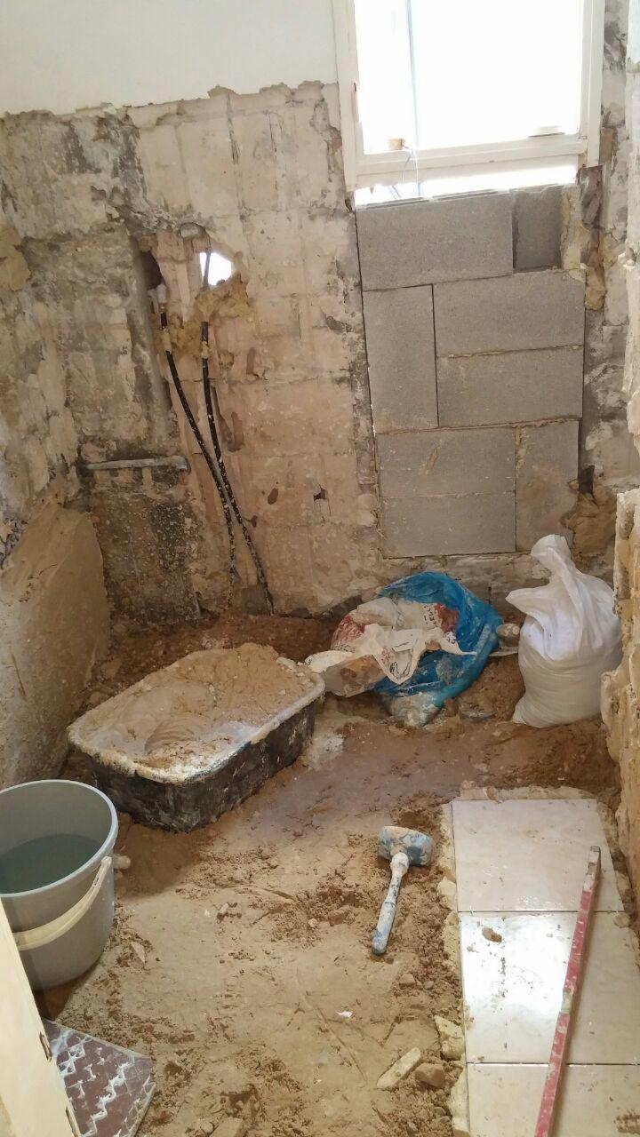 התקנת קרמיקה בחדר אמבטיה